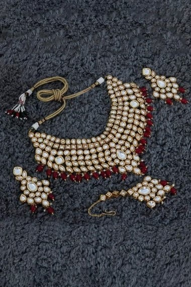 Golden Alloy Stone and Pearl Work Necklace Set