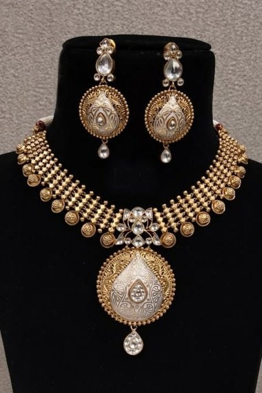 High Gold Plated Handmade Necklace Set with Kundan