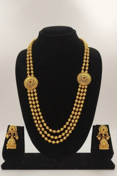 Gold Plated Layered Beads Chain Necklace Set with Round Shaped Brooch
