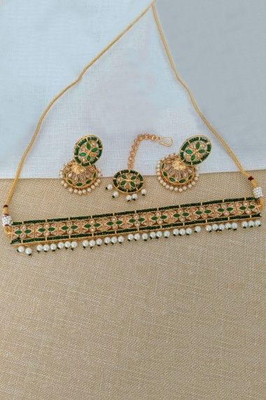 Golden and Green Choker Necklace Set with Stone and Pearls