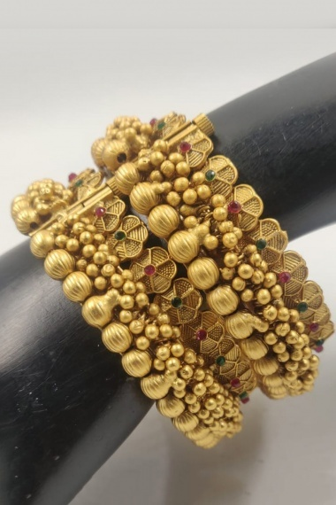 Antique Gold Plated Openable Kada with white and Pink Stone