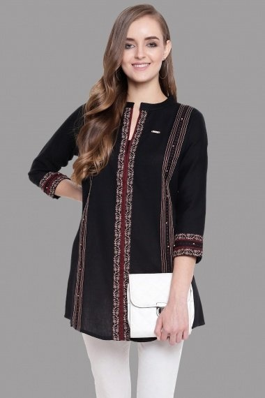 Black Blended Cotton Embroidered Tunic
