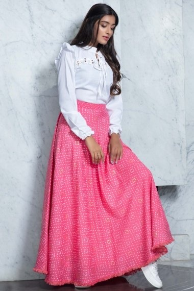 Off White Cotton Fancy Top with Bandhej Print Fringes Border Skirt