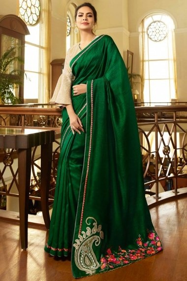 Esha Gupta Green Georgette Silk Plain Saree with Paisley and Floral Embroidered Pallu