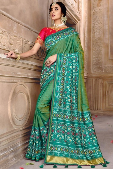Green Two Toned Silk Zigzag Woven Saree with Patola Border and Pallu
